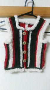 手編みのクリスマスベスト
