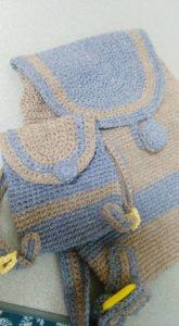 かぎ針編みのリュック大小