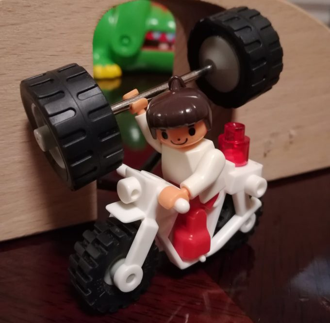 レゴの女の子