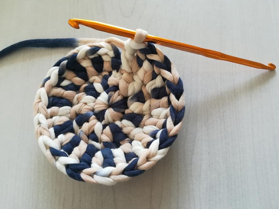 かぎ針編みの鍋敷き