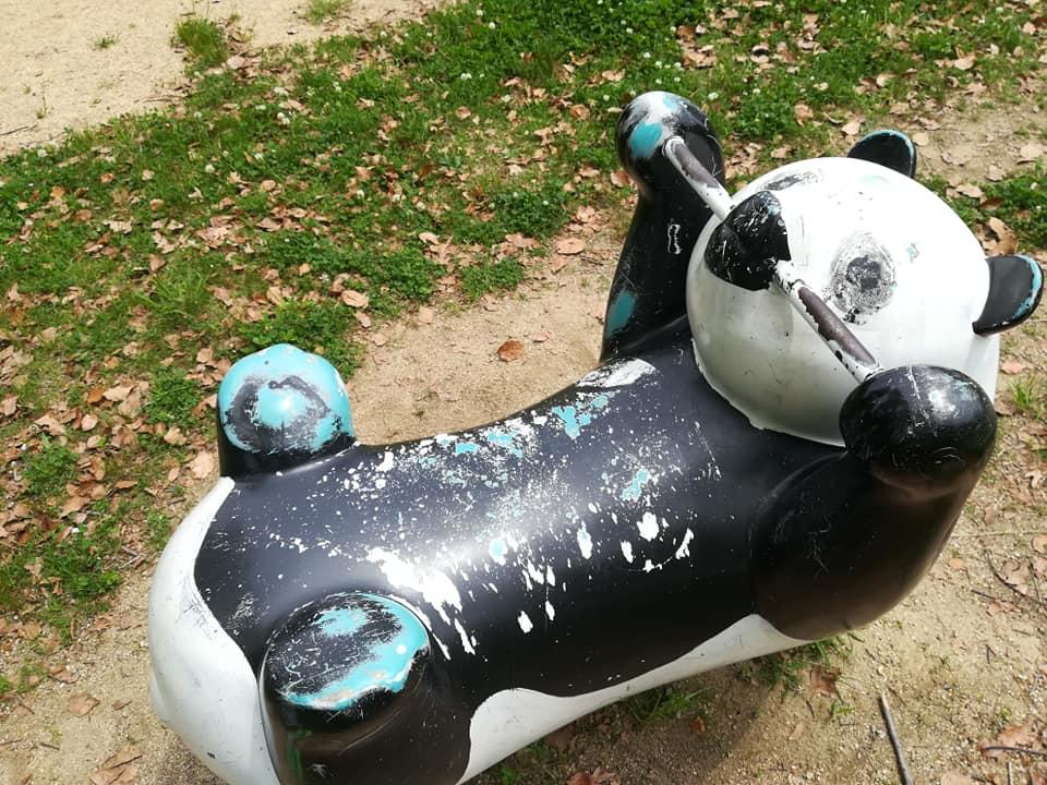 パンダの遊具