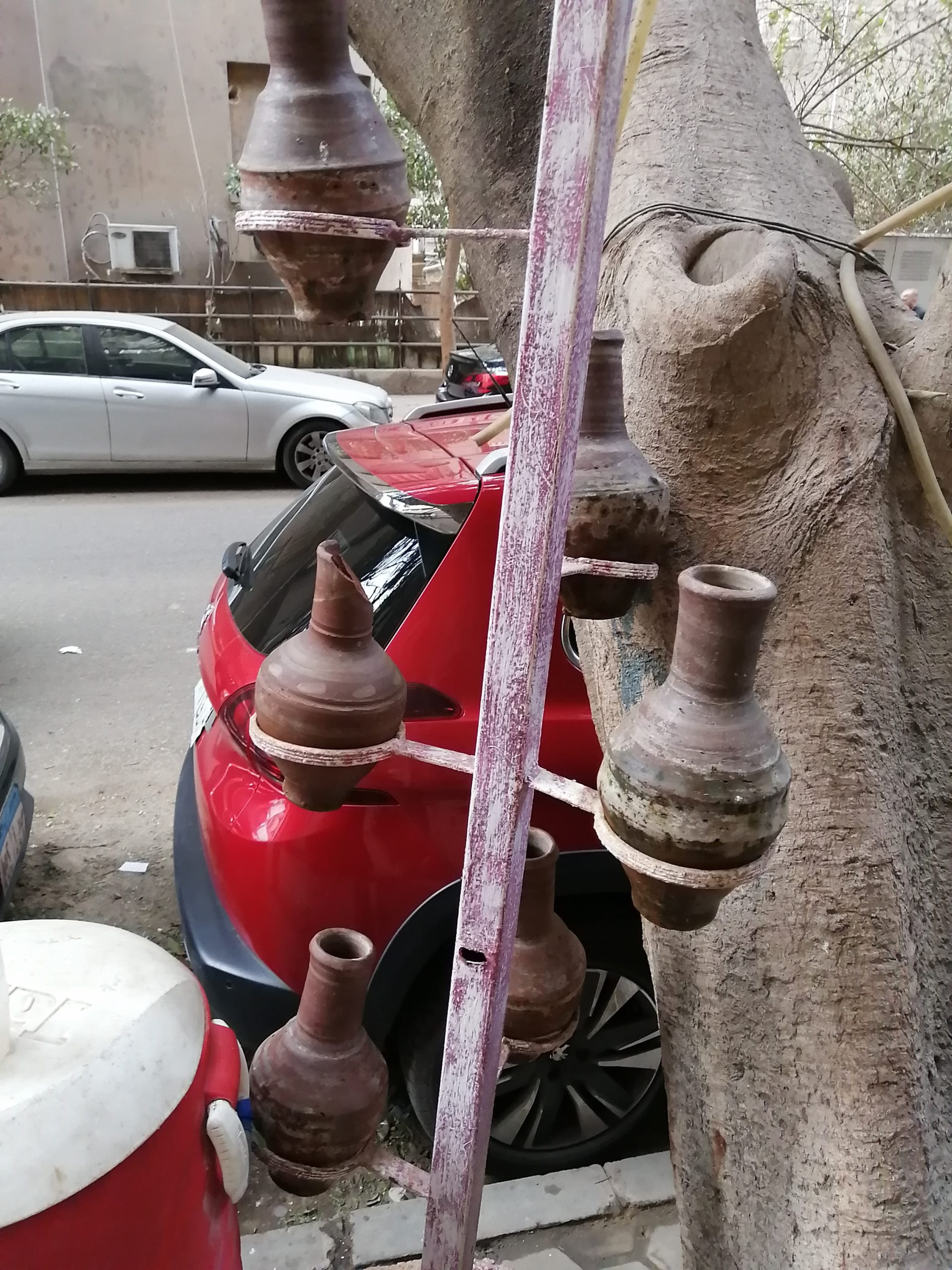 エジプトのカイロの水がめ