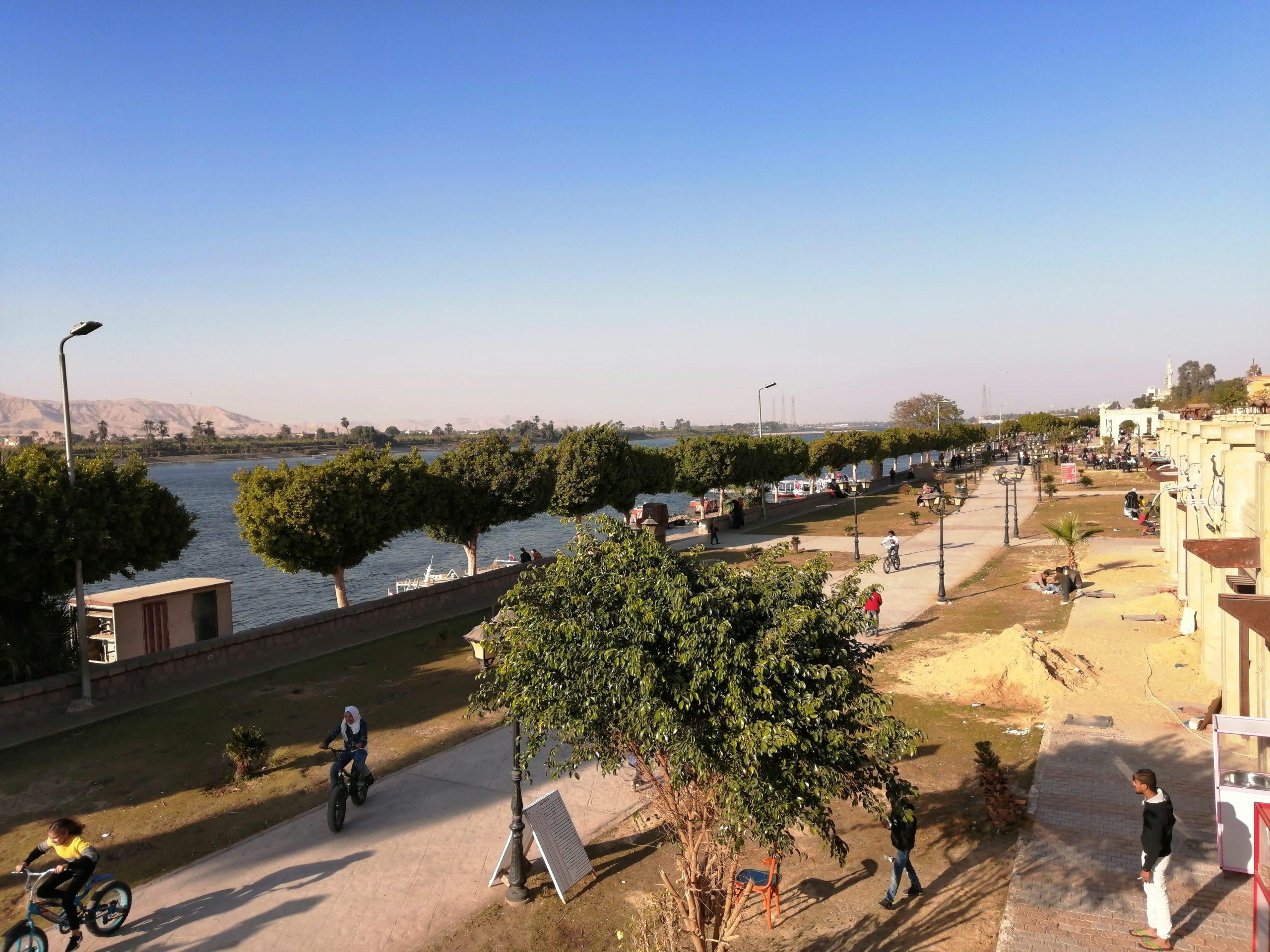 ナイル川沿い遊歩道