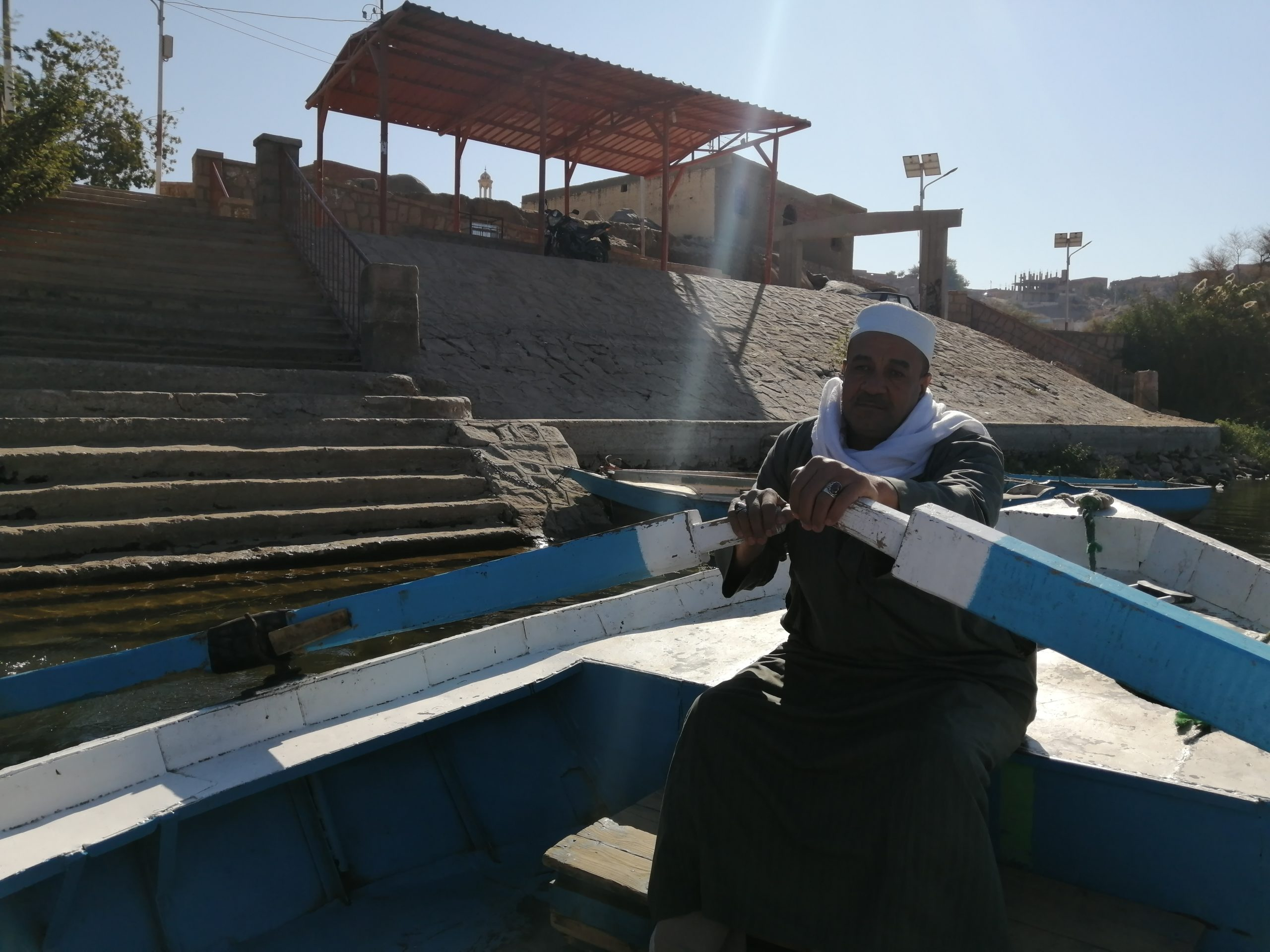 エジプトのアスワンのセヘル島へのボート