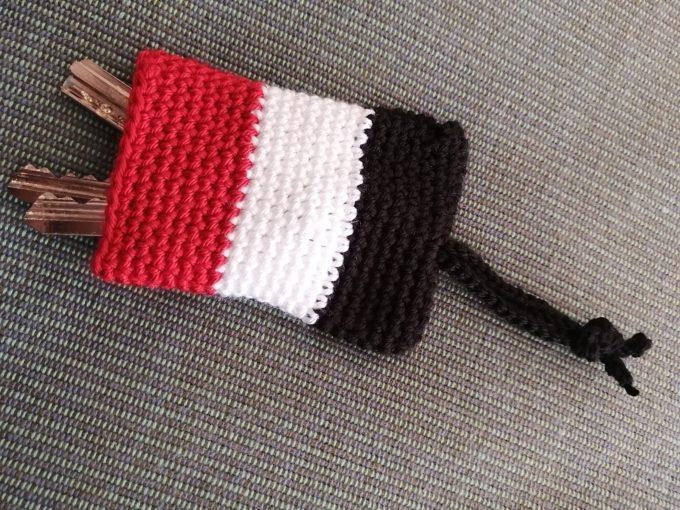 エジプト国旗のかぎ針編みのキーケース