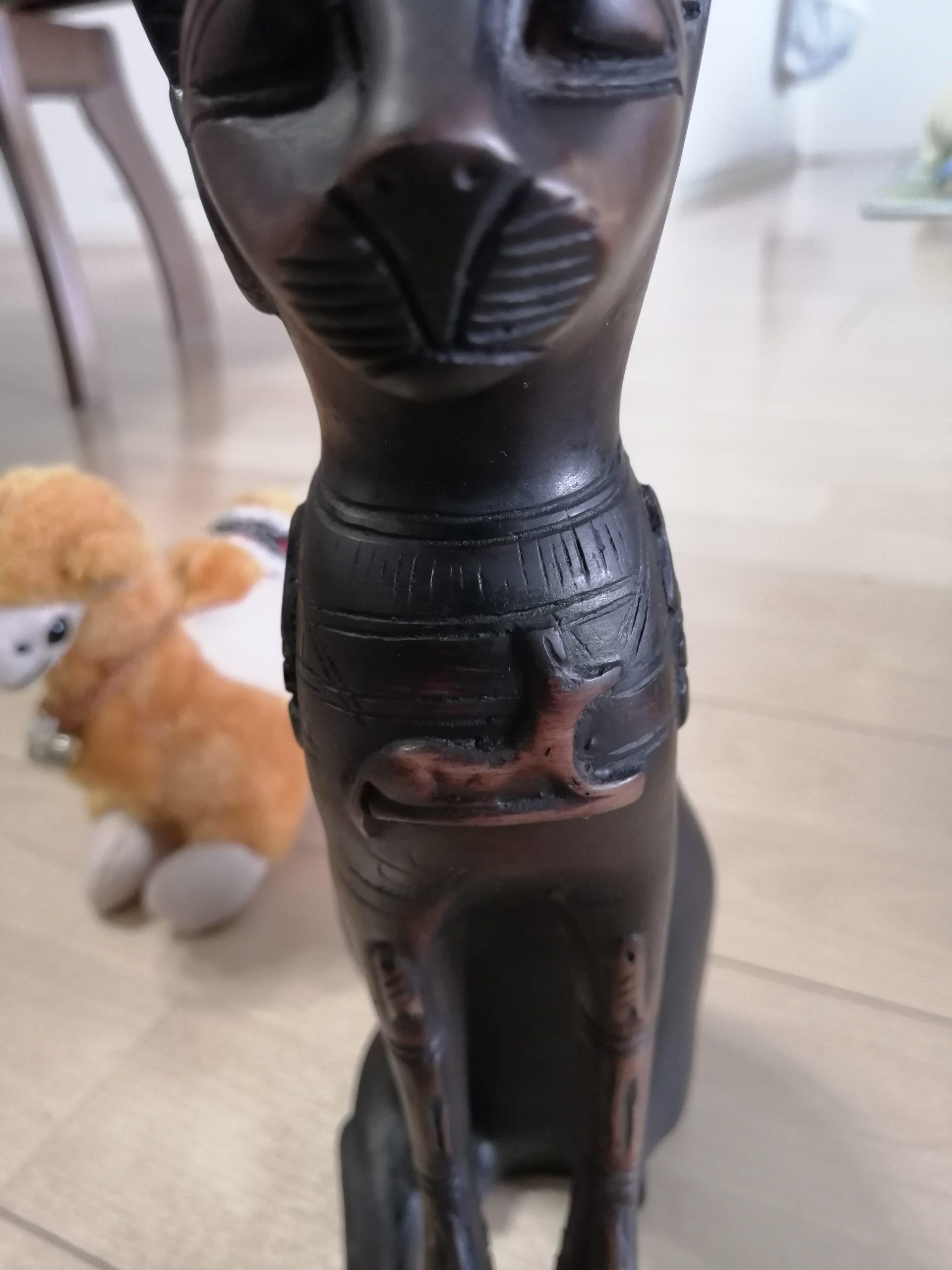 エジプトの猫の置物