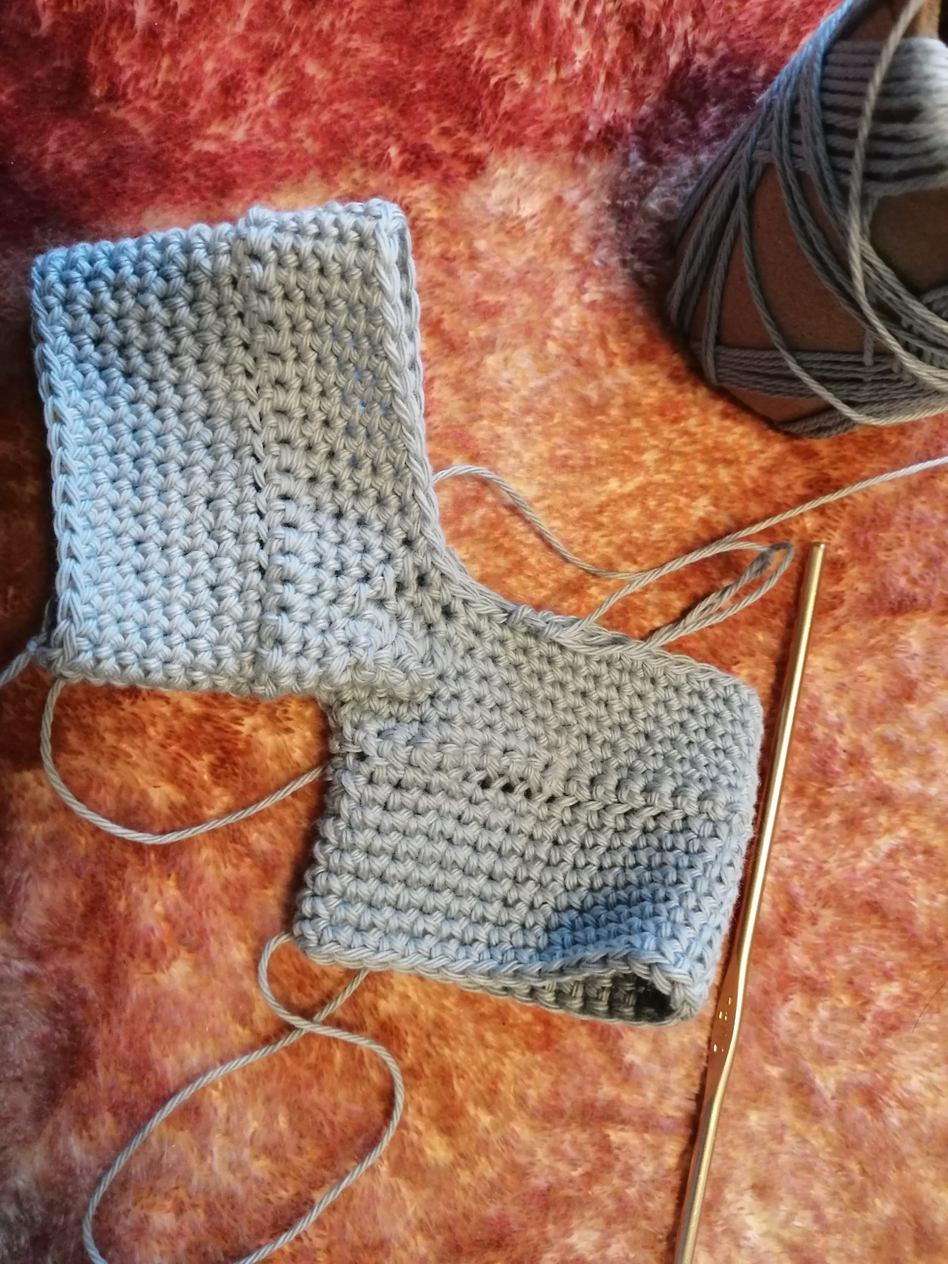 かぎ針編みのオーバーオール